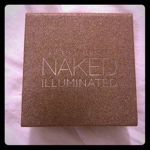 Urban Decay Naked Illuminated powder